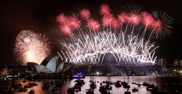 New Year's Eve Fireworks on Sydney Harbour at Mrs Macquarie's Chair in Sydney, Wednesday, Jan. 1, 2014. (AAP Image/Nikki Short) NO ARCHIVING